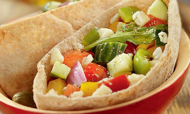 Barquete de vegetais e queijo branco