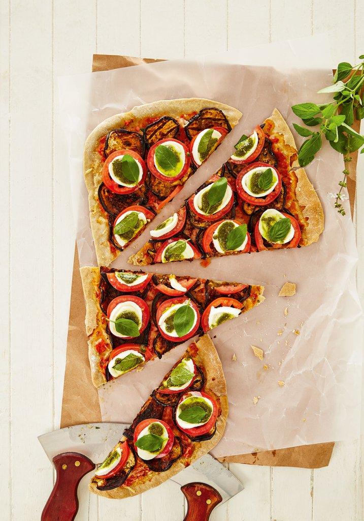 http://boaforma.abril.com.br/culinaria-saudavel/pizza-com-biomassa-de-banana-verde-e-berinjela/