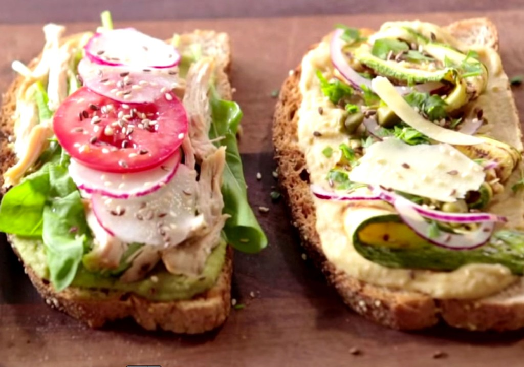 receita de sanduíche aberto com pasta de grão-de-bico