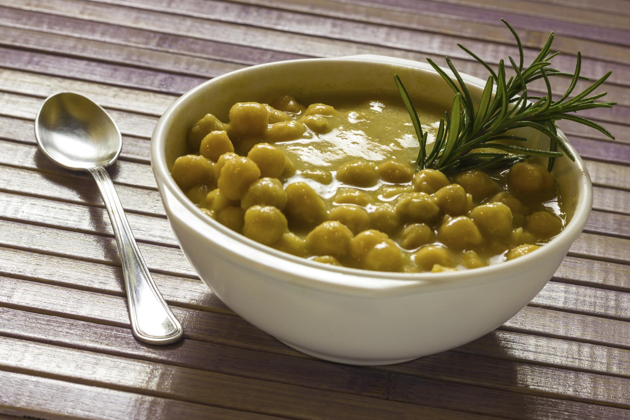 Sopa de lentilha e grão-de-bico