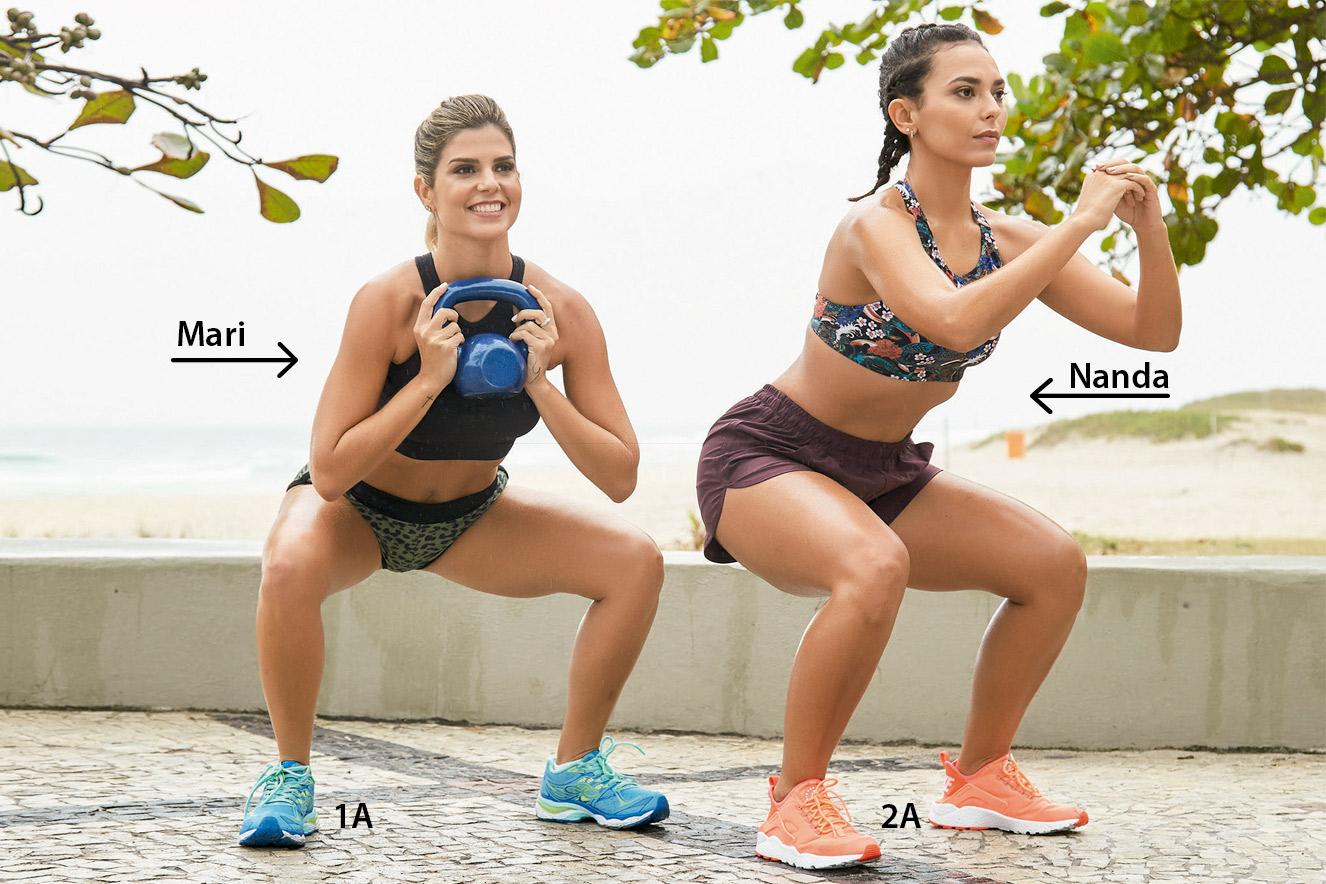 Meninas da Dupla Carioca fazendo agachamento