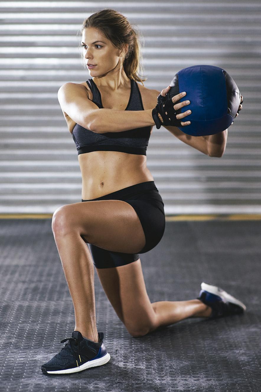 Mulher em treino funcional