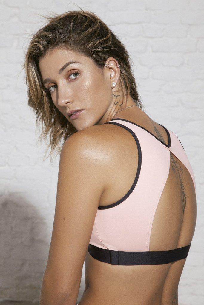 Gabriela Pugliesi veste top da coleção BOA FORMA para Alekta
