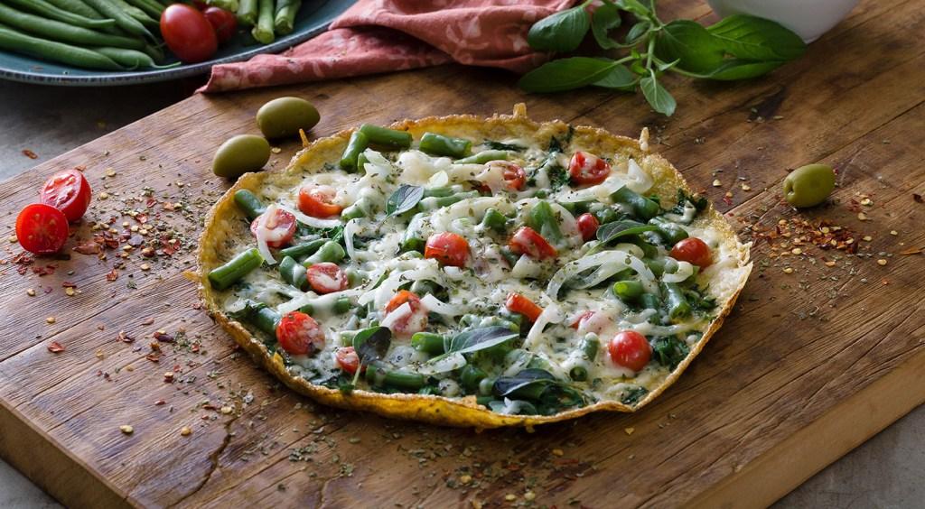 pizza de omelete com espinafre