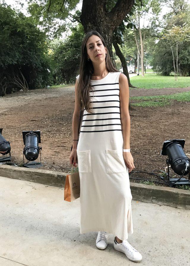 Maria Fernanda Azevedo com vestido longo no SPFW
