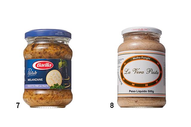 Duas embalagens de molho para macarrão das marcas Barilla e La Vera Pasta