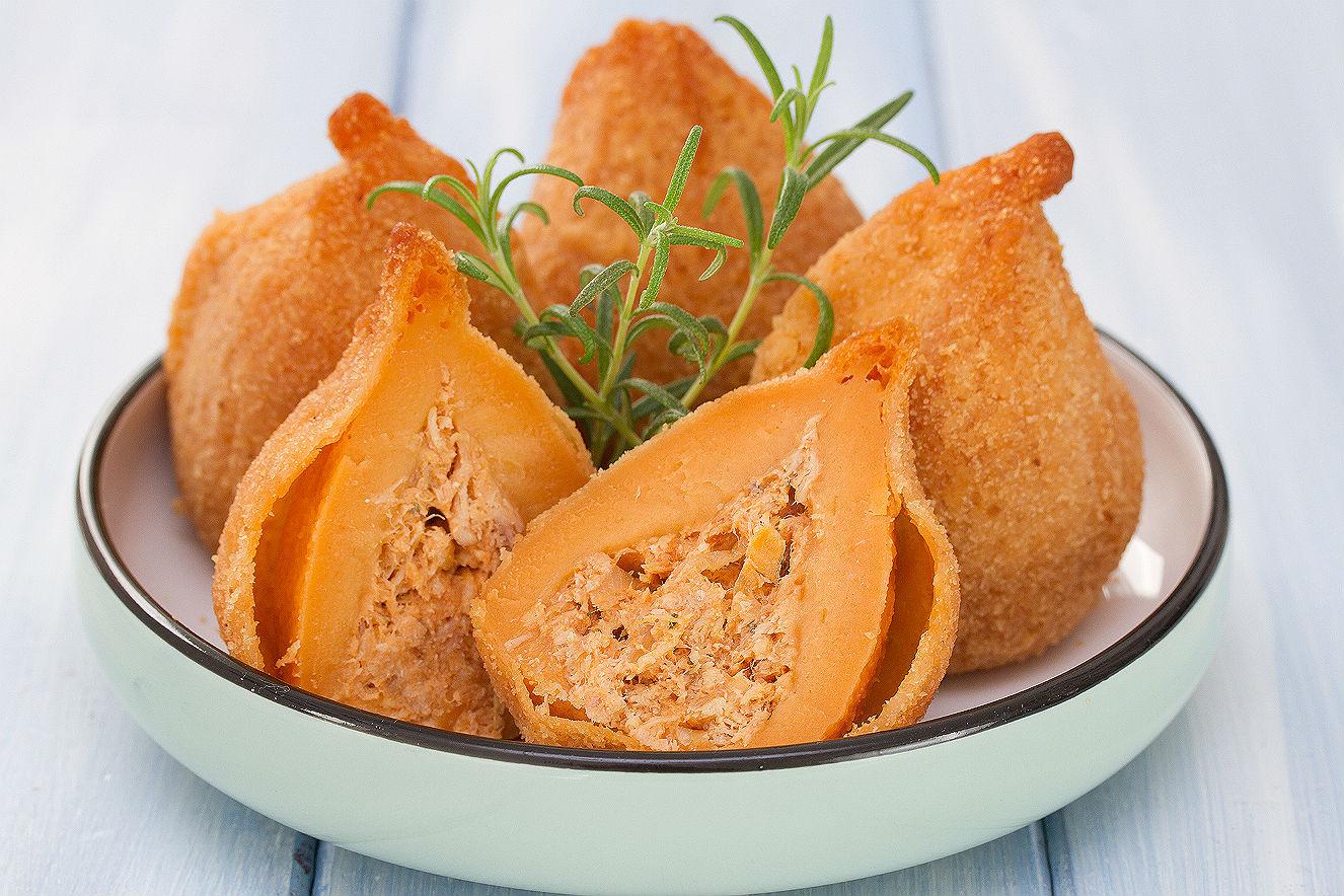 Coxinha de frango saudável