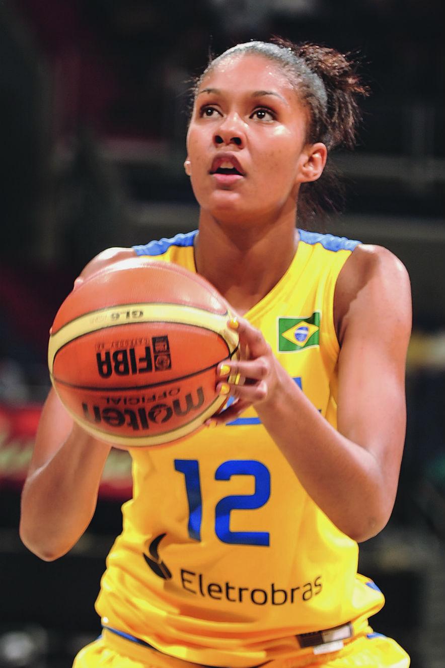 Damiris Dantas, jogadora de basquete