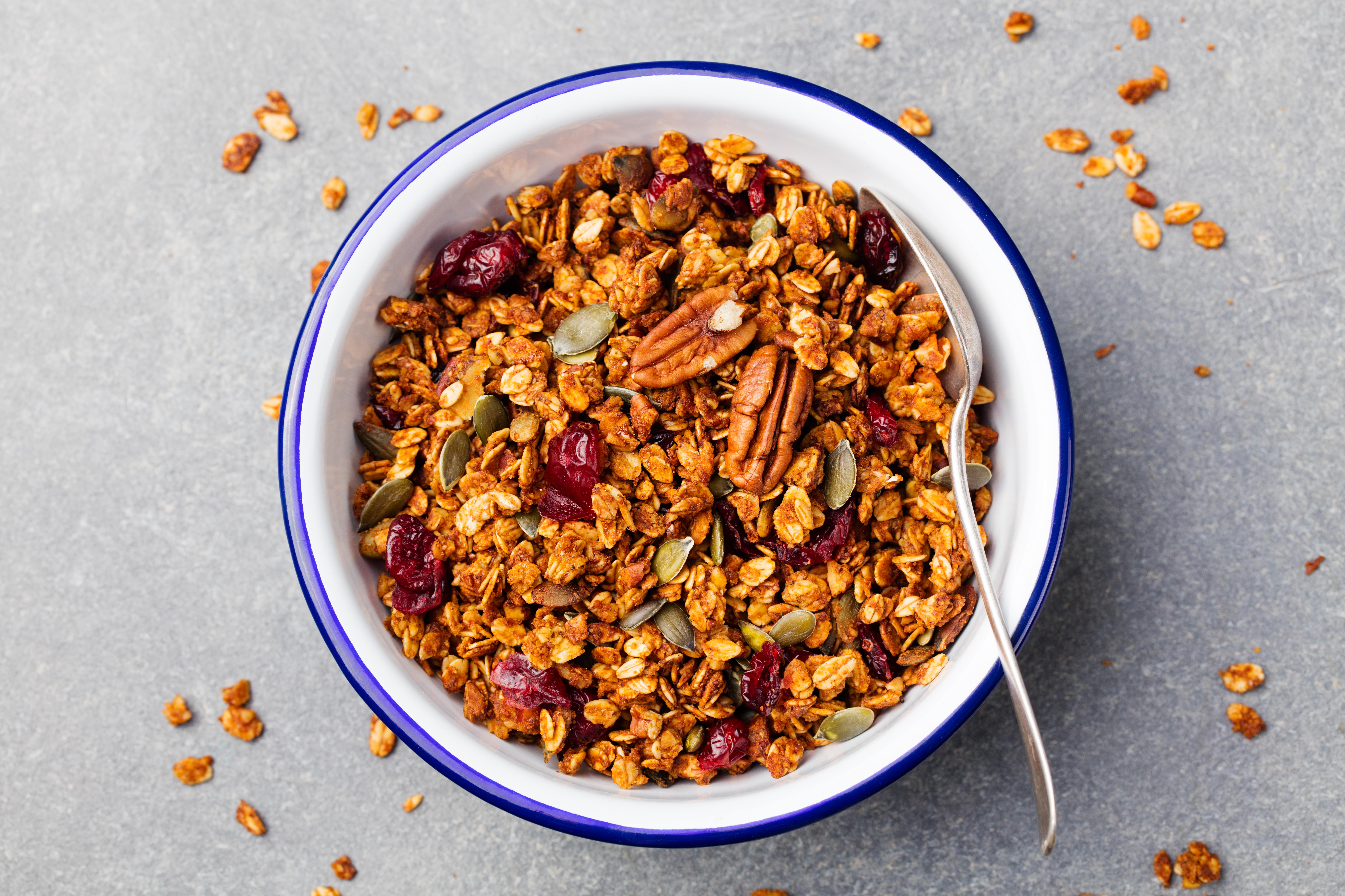 granola em bowl