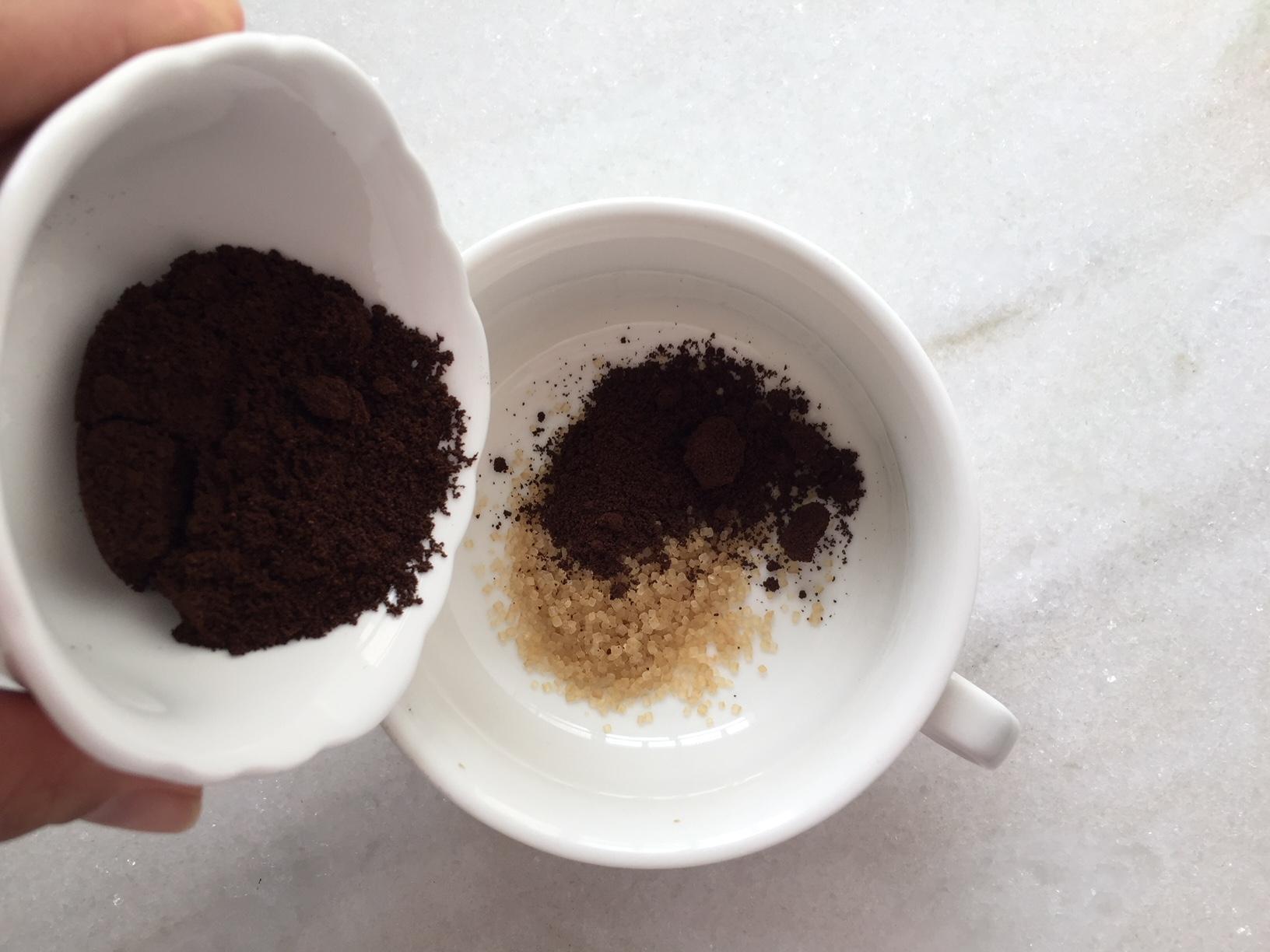 Como fazer esfoliante de café com açúcar