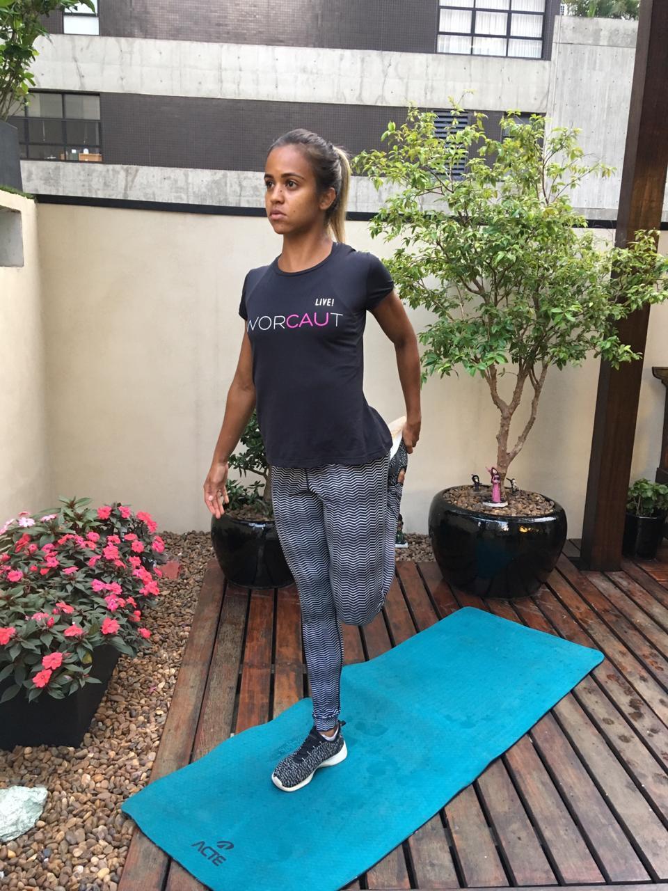 Exercício de alongamento