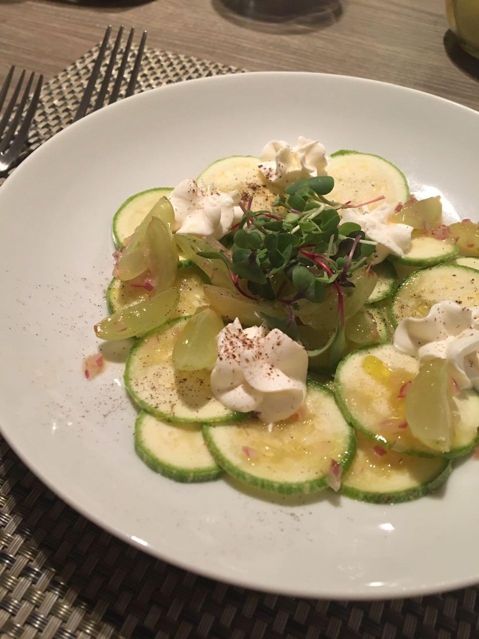 Salada de carpaccio de abobrinha