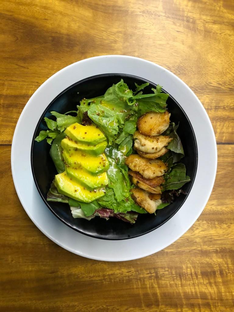 avocado com frango orgânico abacate