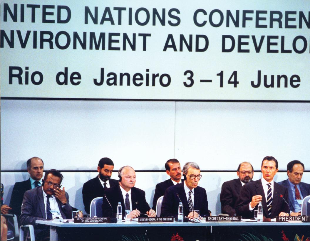 Marco Ecológico a Eco 92, realizada no rio de Janeiro, em 1992, reuniu autoridades de todo o mundo para debater a mudança climática e a preservação ambiental