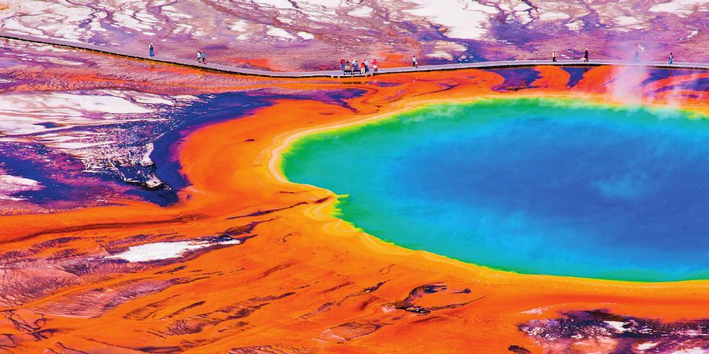 INFERNO NA TERRA No início, o planeta tinha a superfície coberta por lagos sulfurosos, de alta temperatura, como estes, do Parque Nacional de Yellowstone, nos Estados Unidos