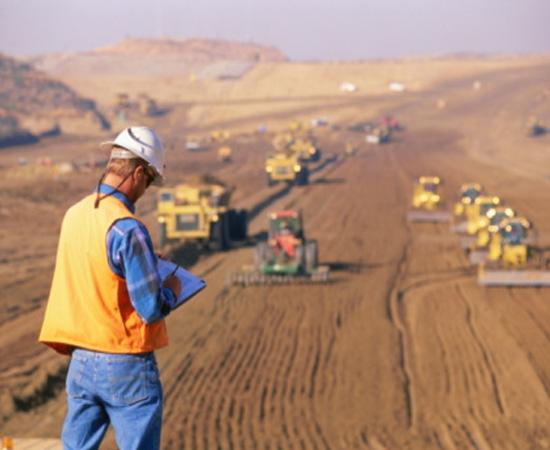 Engenharia Ambiental - É a engenharia voltada para o desenvolvimento econômico sustentável, ou seja, que respeite os limites dos recursos naturais.