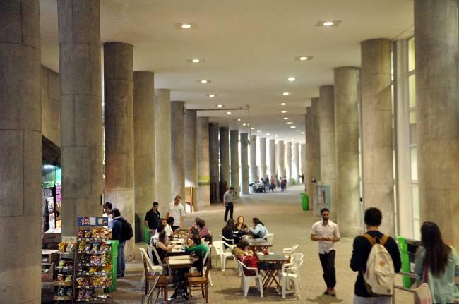 Edifício Cardeal Leme, da PUC-Rio, onde funcionam os cursos de Engenharia (crédito: Fernanda Szuster/ Jornal da PUC)