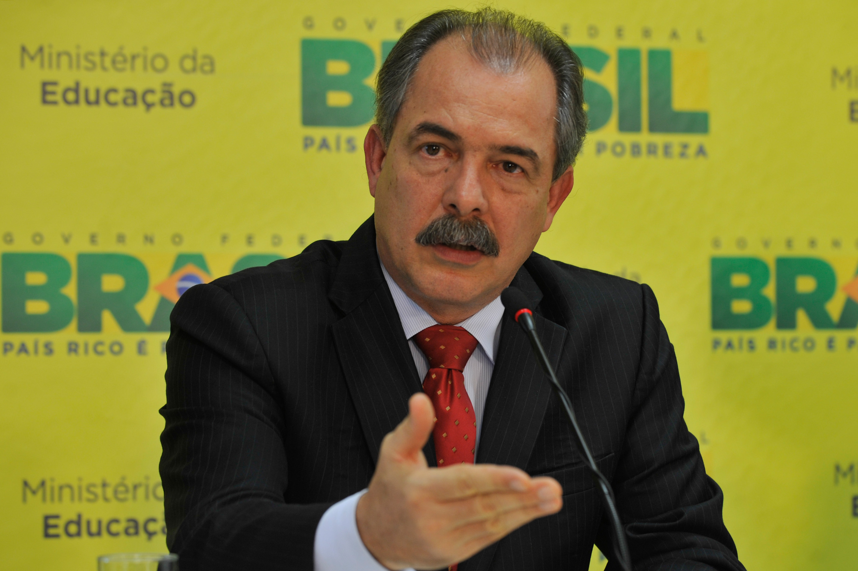 O ministro da Educação, Aloizio Mercadante (Foto: Valter Campanato/ABr)