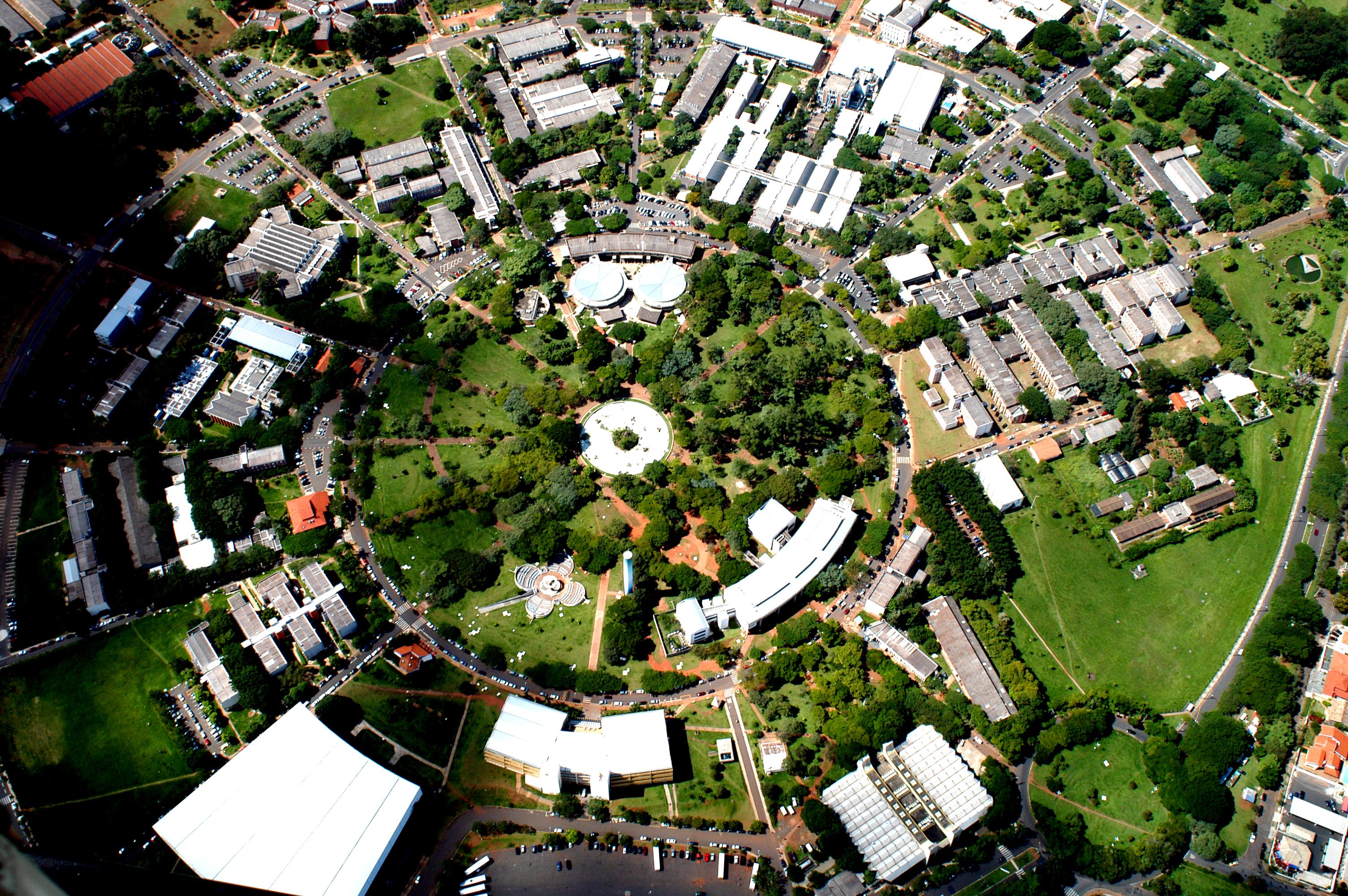 Unicamp: vista aérea do campus principal, em Campinas (crédito: Antoninho Perri)