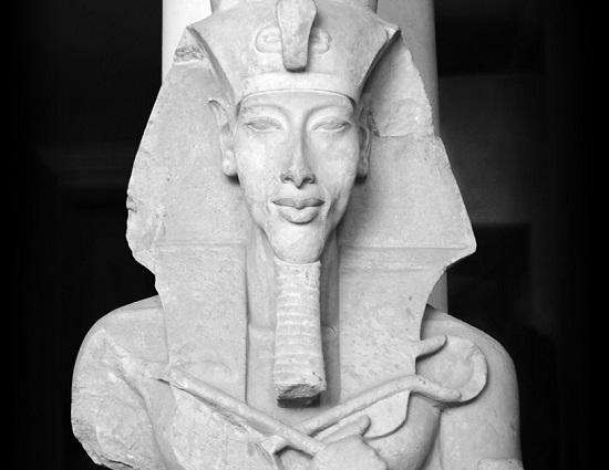 busto-akenaton-wiki