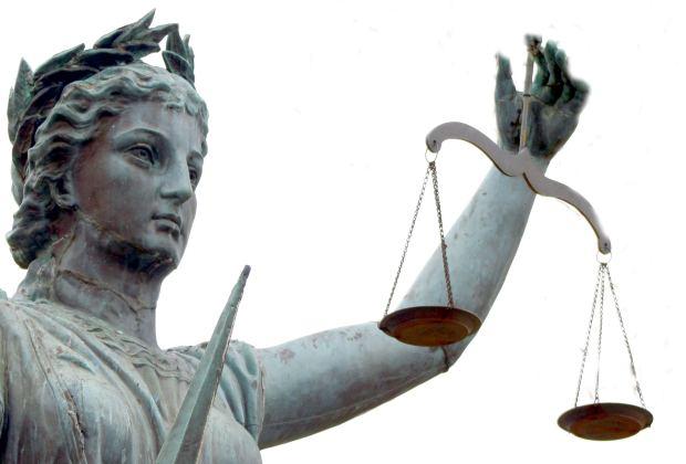 O estudante de Direito que optar pela advocacia poderá defender os interesses de clientes em diversos campos (Créditos: Morgue File)