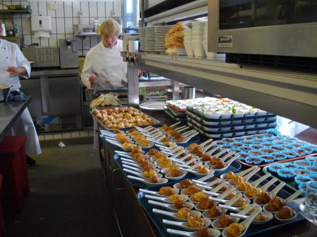Cozinhar de forma amadora é uma coisa, formar-se em Gastronomia é outra. Converse com profissionais da área para saber mais sobre o cotidiano (Créditos: Morgue File)