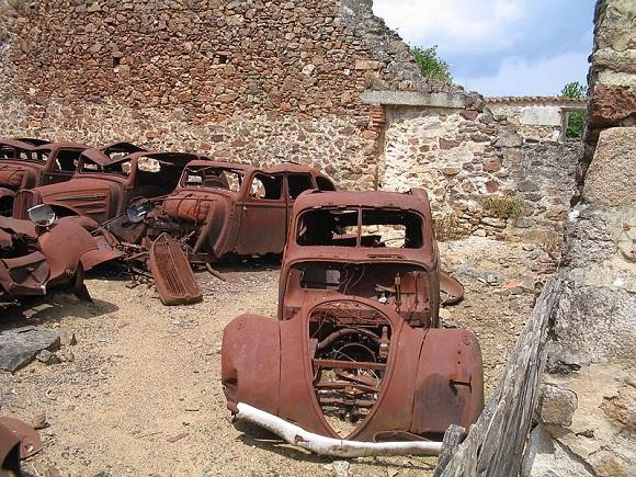 oradoursurglane-carrosgaragem