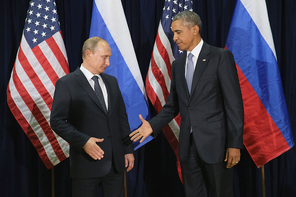 Os presidentes da Rússia, Vladimir Putin, e dos Estados Unidos, Barack Obama, encontram-se em Nova York, em setembro de 2015  (Chip Somodevilla/Getty Images)