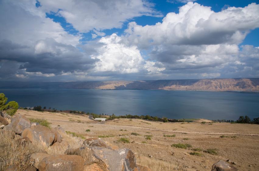 Mar de Tiberíades, alimentado pelo Rio Jordão (fonte: iStock)