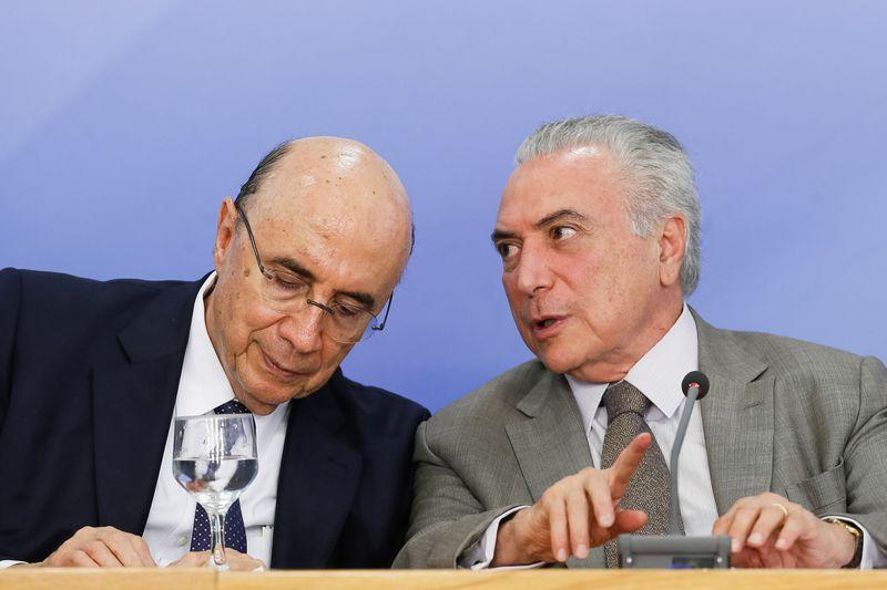 O ministro da Fazenda, Henrique Meirelles, e o presidente Michel Temer durante anuncio do pacote de medidas econômicas (foto: Beto Barata/Agência Brasil)