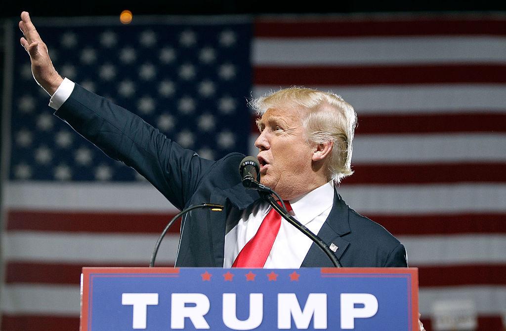 O presidente eleito dos EUA, Donald Trump, durante a campanha presidencial em Phoenix, no Arizona, em 18 de junho de 2016  (foto: Ralph Freso/Getty Images)