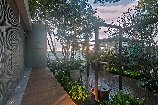 04-jardim-da-piscina-casacorsp