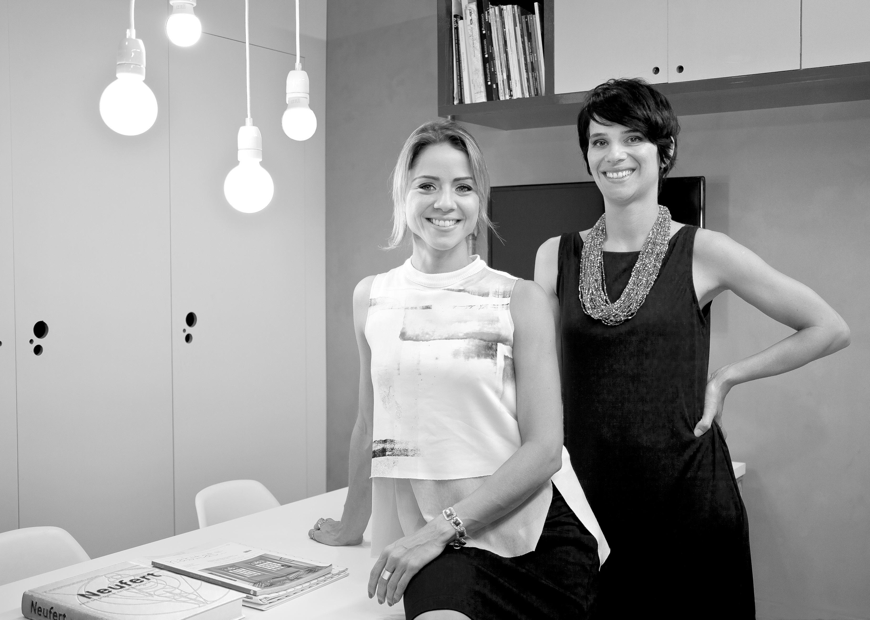Natália Botelho e Paola Corteletti - Estúdio Simples - Crédito Fábio Cançado
