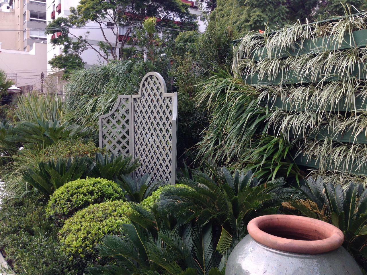 Projeto Fernando Thunm com jardins verticais da GreenWall Ceramic (6)