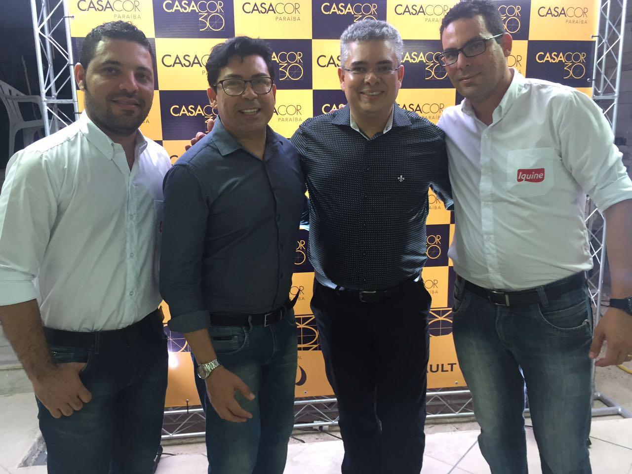 Ricardo Castro e equipe da Iquine