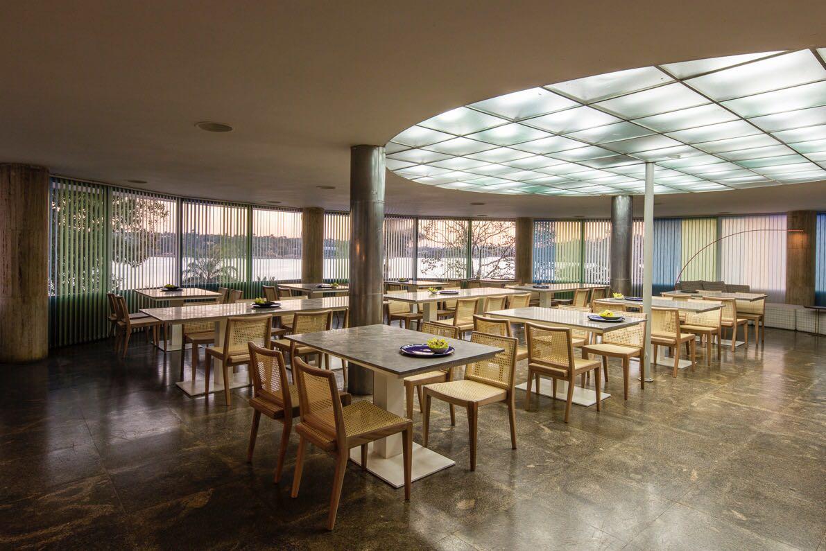 Ser Moderno - Restaurante Museu de Arte da Pampulha - Peças de Olavo Machado Neto - Arquiteto Pedro Lázaro - foto Jomar Bragança7