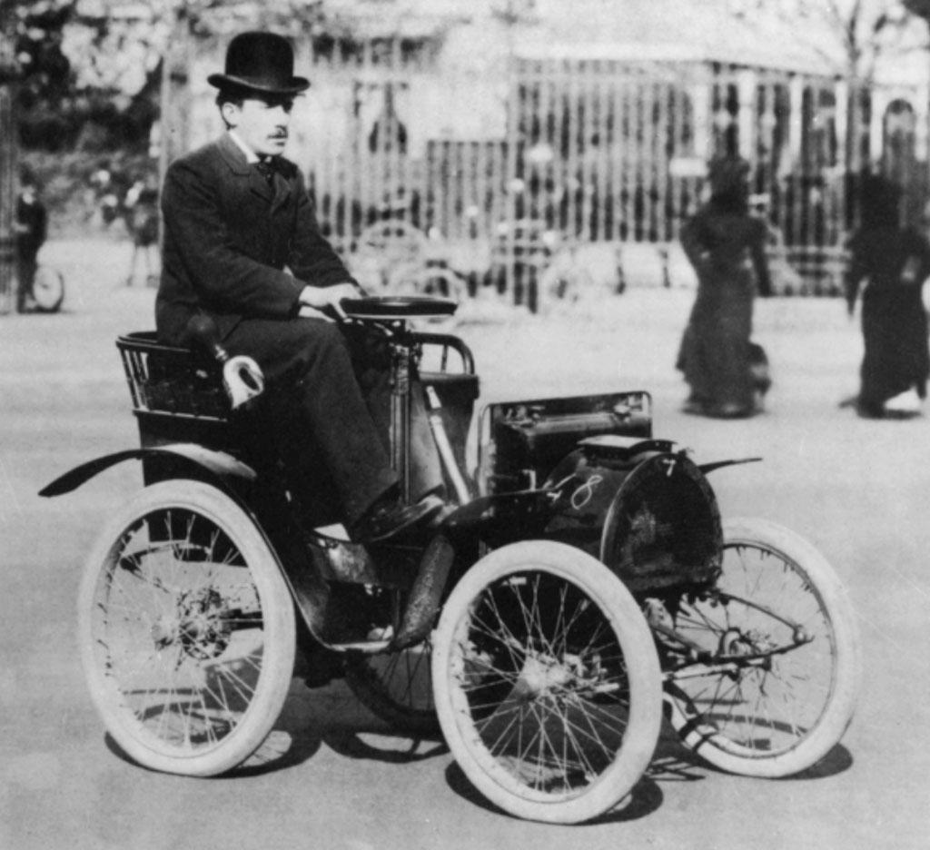 abre-uma-revolucao-francesa-na-historia-do-automovel-