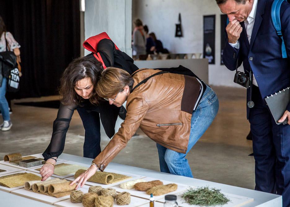 installation-exhibition-design-academy-eindhoven-touch-base-milan-design-week-2016_dezeen_936_5