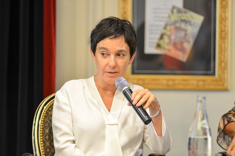 Livia Pedreira-paris