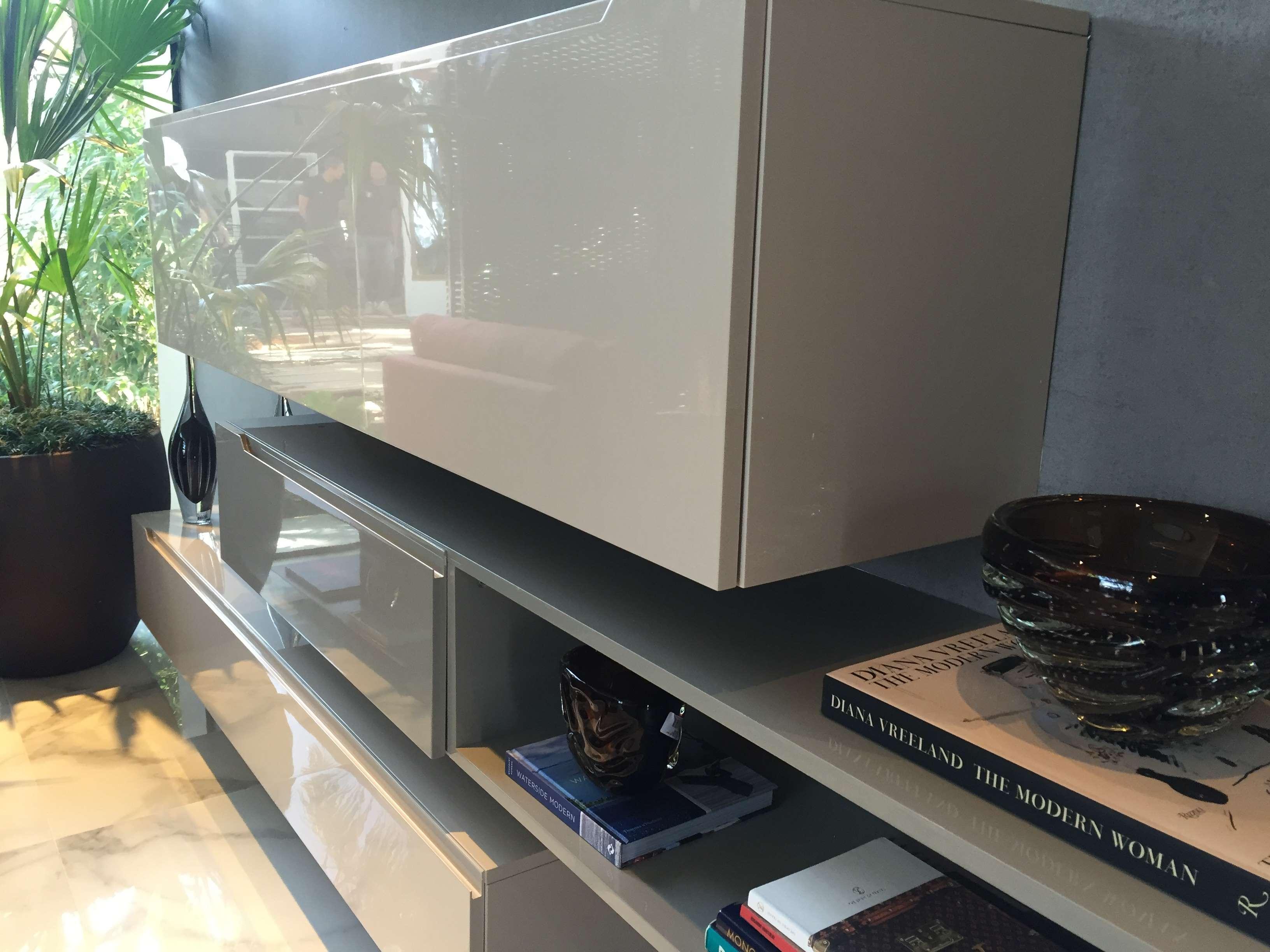 Living - armários em laca alta brilho
