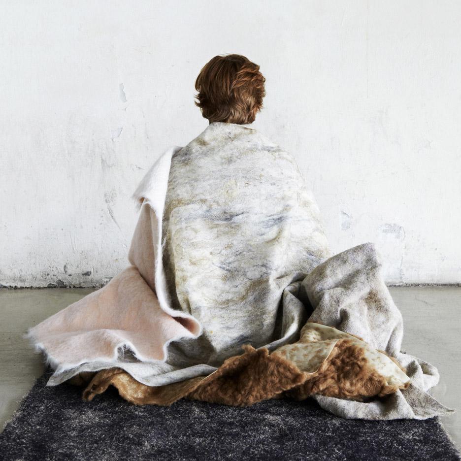 sanne-muiser-fake-fur-project-textiles-femke-rijerman-design-academy-eindhoven-touch-base-milan-design-week-2016_dezeen_936_12