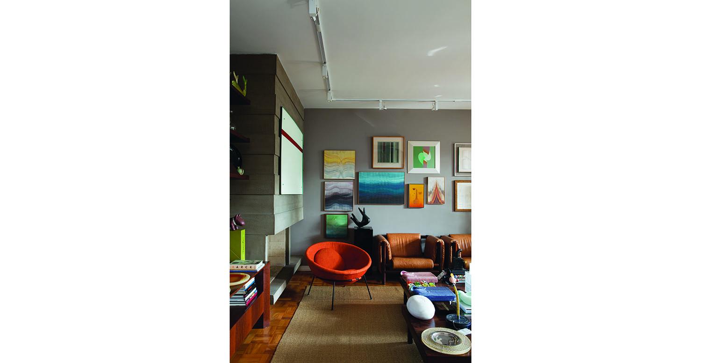 Casada com um colecionador apaixonado por arte contemporânea,  a empresária Camila Cutait Abdalla divide sua casa com criações geniais  de mestres como Abraham Palatnik, Amélia Toledo e Ivens Machado.