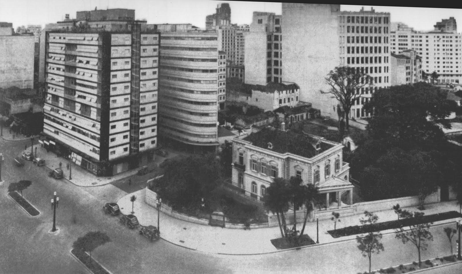 Edifício Esther, de Álvaro Vital Brazil e Adhemar Marinho, o primeiro prédio modernista de São Paulo